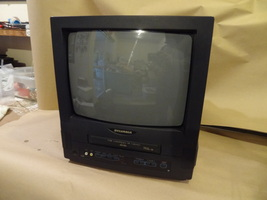 "SYLVANIA TV / VCR PLAYER BUILT IN COMBO WORKS GREAT 13"" SCREEN SSC130 NO... - $129.99"