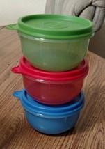 NEW Tupperware Ideal Lit'l Bowl set 3 red green blue 8 oz w seals Primar... - €11,13 EUR
