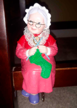 Grandma Knitting Hallmark Christmas Stocking Hanger Holder Vintage 1988 - $12.86