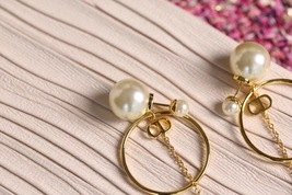 Authentic Christian Dior 2019 CD LOGO CIRCLE PEARL TRIBALES DANGLE DROP Earrings image 5