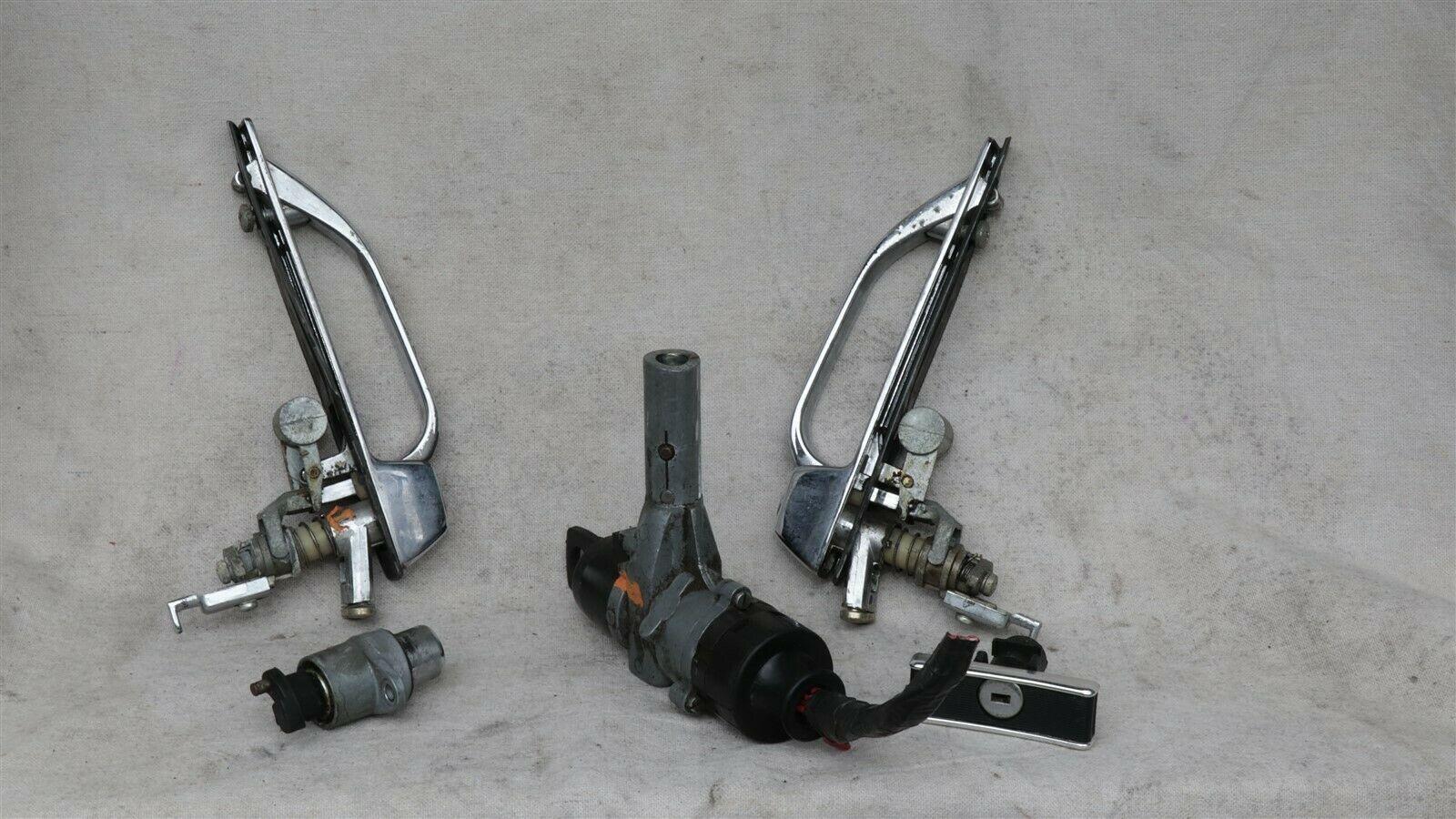 Mercedes 560SEC W107 R107 Door Handle Handles Set L&R w/ Key
