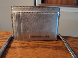 Authentic Michael Kors Money Pieces Multi Card Case Leather Silver NWT - £31.51 GBP