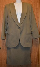 Womens Beige Reflections of Dallas Skirt Suit Suit Size 6 8 excellent - $3.46