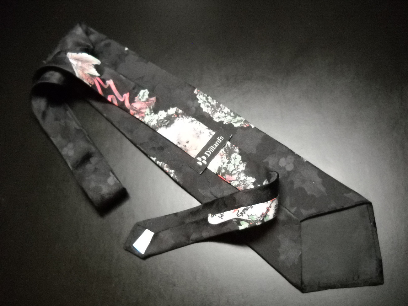 Dillards Christmas Neck Tie Silk Santa and Cherub in Ribboned Wreath on Black