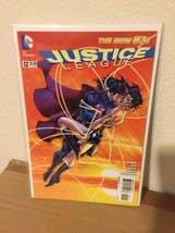 JUSTICE LEAGUE #12 First Printing Superman Wonder Woman Kiss Cover DC Co... - $7.84