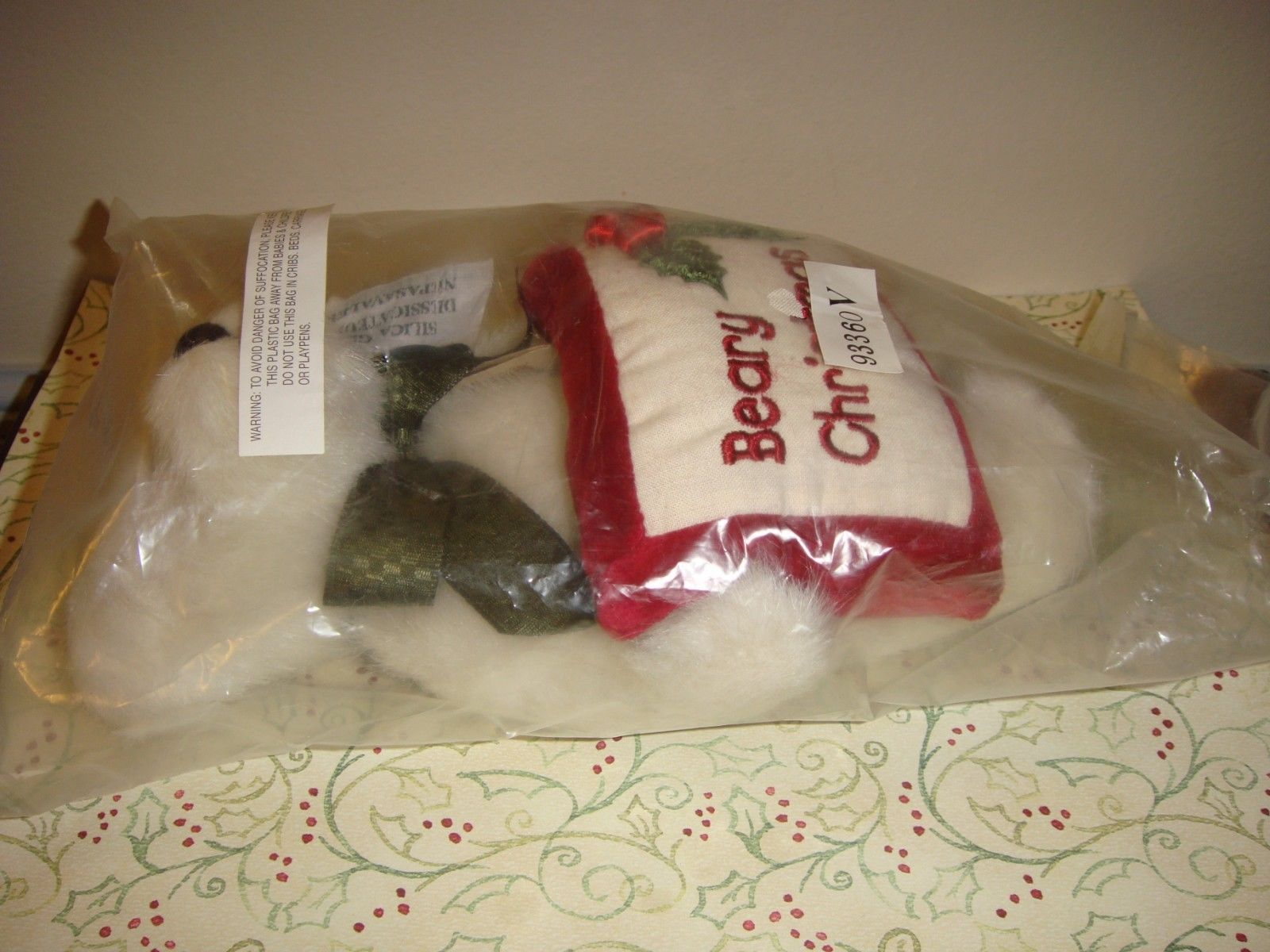 Boyds Bears Gladys Tidings With Beary Christmas Pillow image 2