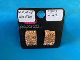 Paparazzi Clip-On Earrings (new) Hollywood Hot Shot/Gold 9203 - $8.58