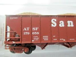 Micro-Trains # 10800123 Atchison, Topeka & Santa Fe 100 Ton 3-Bay Hopper N-Scale image 2