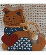 Charming Brown Wood Kitty with Bandana and hearts - £3.14 GBP