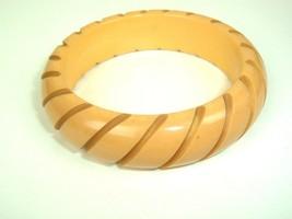 Vintage Carved Striped Butterscotch Bakelite Bangle Bracelet Tested - $69.25