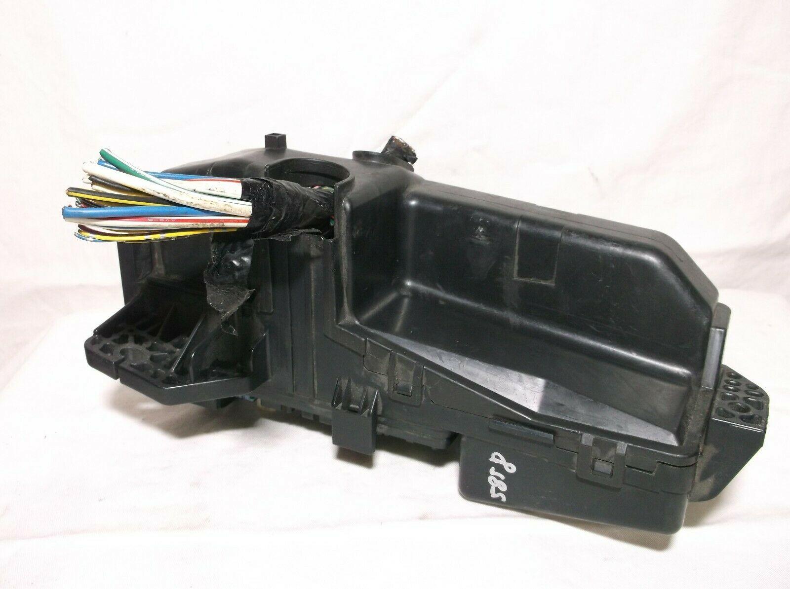 04-05-06 Acura Tl   Engine Bay   Fuse   Relay   Box