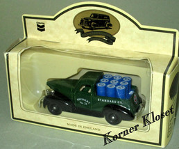 Lledo Chevron Commemorative 1939 Chevrolet Delivery Pick-Up - 1:64 Dieca... - $9.51