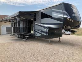 4212 Seismic by Jayco FOR SALE       MM906 image 1