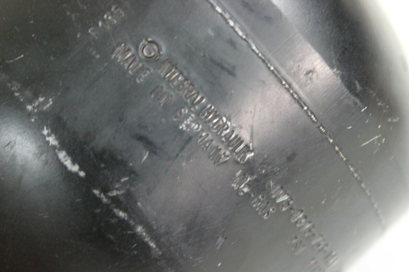 Integral Hydraulic 075-1315-743-611 Integral Accumulator New
