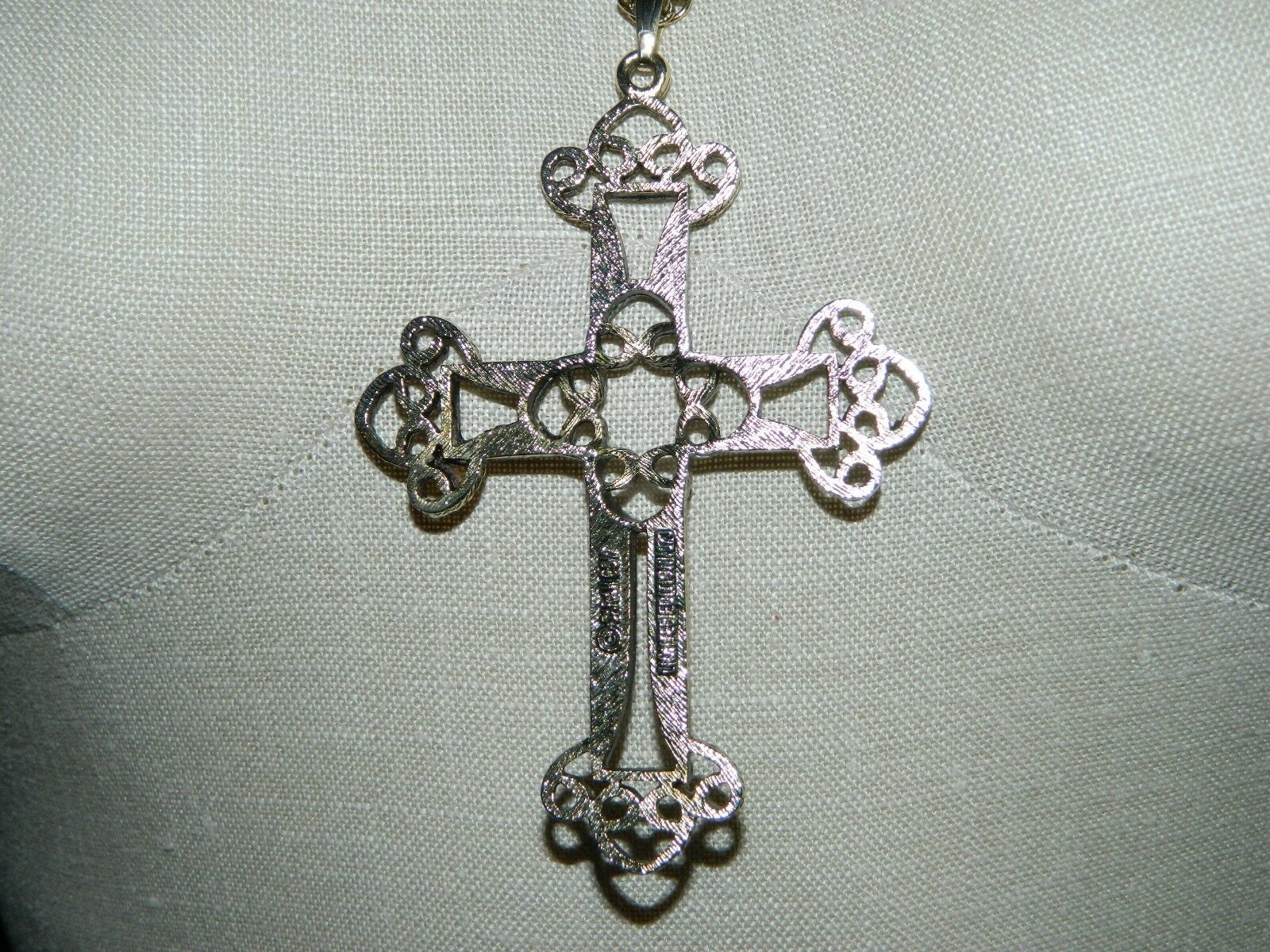 VTG SARAH COVentry GT Gothic Victorian Cross Limited Edition 1973 Necklace