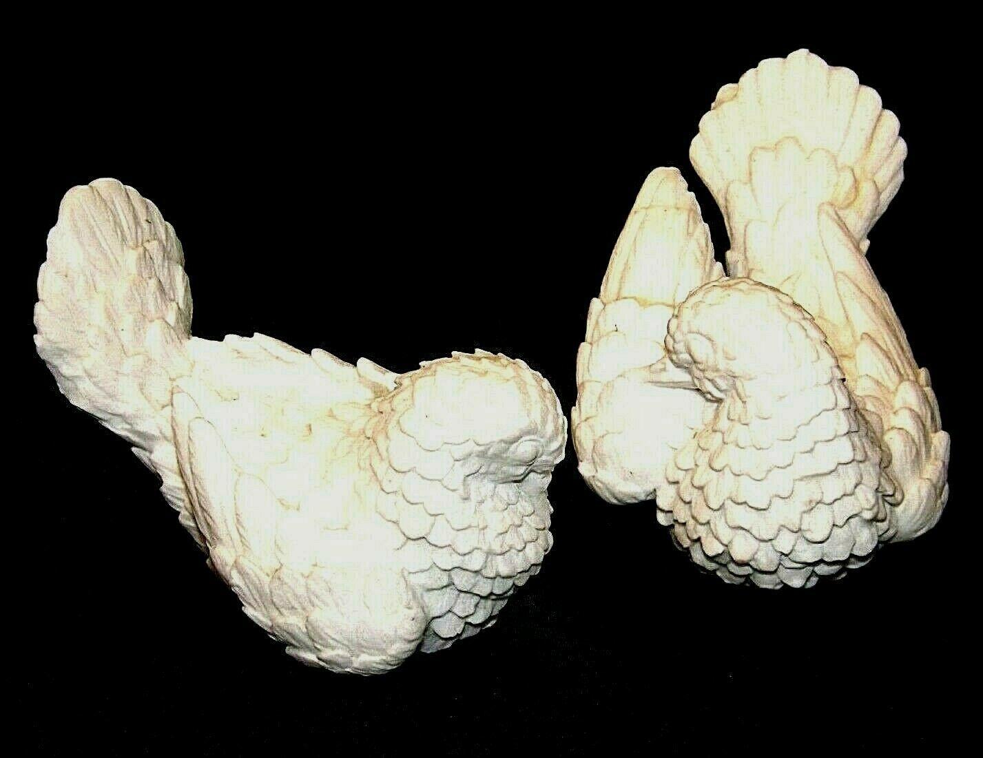 A. Santini Italian classic figure sculptor white Doves AA19-1683  Vintage Pair