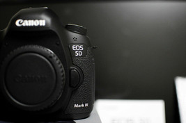 Great EOS Canon 5D MarkⅡ 2 Mark II Shutter Count 34,919 21.1 MP BODY ONLY image 2