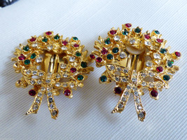 Fashion Gold Tone metal Red Green Crystal Holiday Wreath clip on clips E... - $23.76