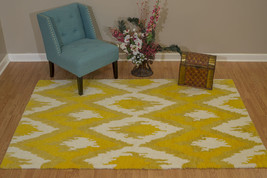 United Weavers Casablanca Zina Yellow Accent Rug 1'11' x 3' - $63.22