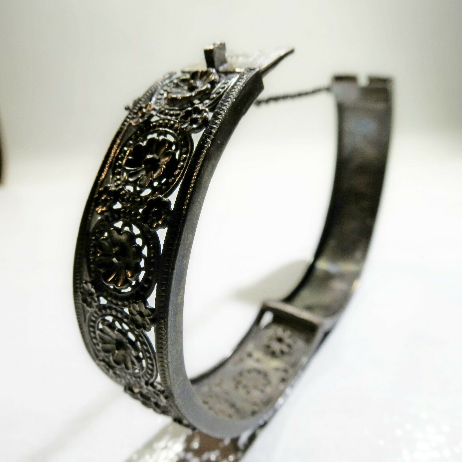 Antique Victorian Depose' Sterling Silver Aesthetic floral Cuff Bracelet 900