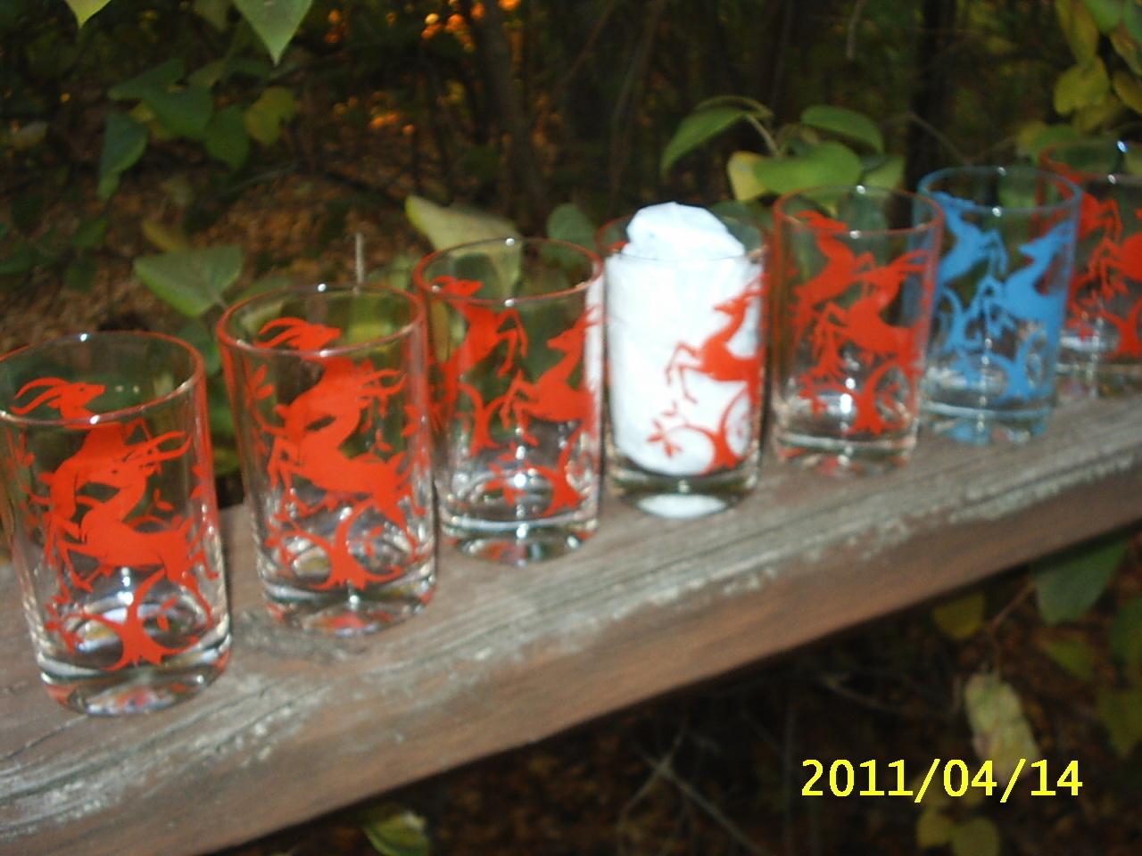 """7 Vintage Swanky Swig Small Juice Glasses Deer Red/1 Blue 3 3/4"""" High Retro 50's"""
