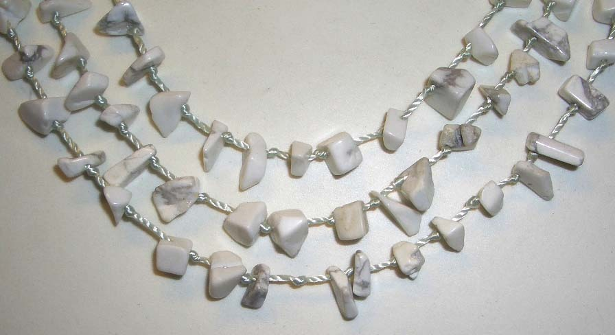 STUNNING WHITE TURQUOISE HOWLITE NECKLACE W/MATCHING EARR