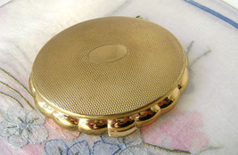 Vintage Kigu Minuette Musical Compact Gold Tone Working Bridesmaid's Gif... - $84.00