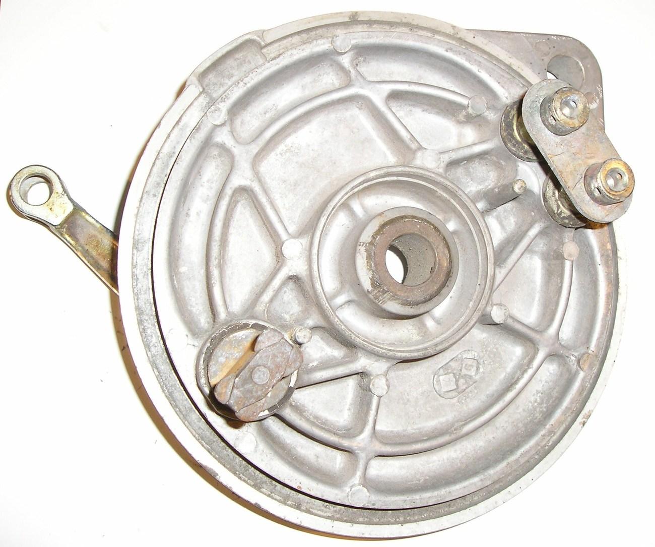 Honda VF500C Magna '84 rear brake panel