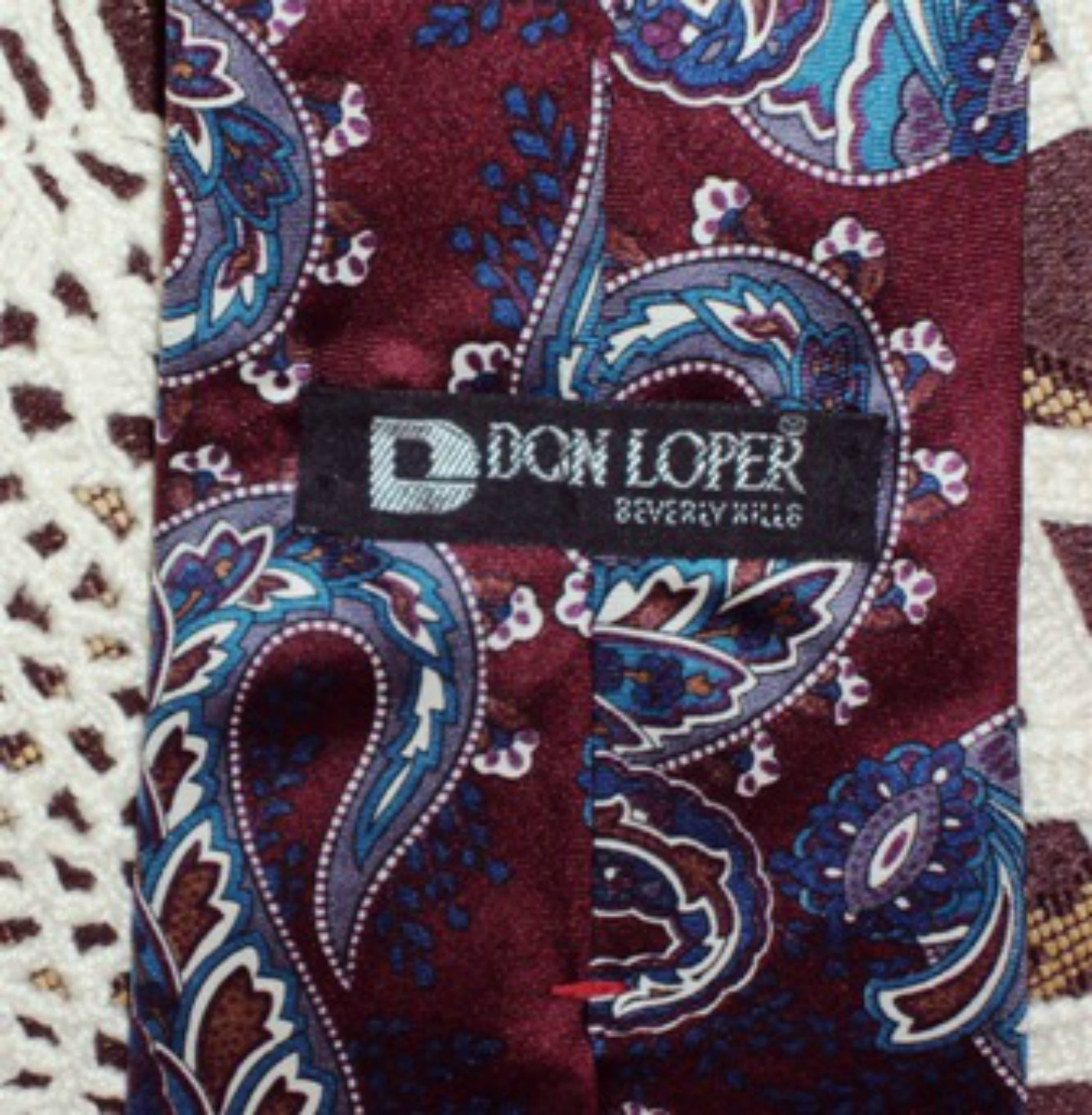 Don Loper Ties Beverly Hills Paisley Design Vintage Silk Maroon Mens Necktie