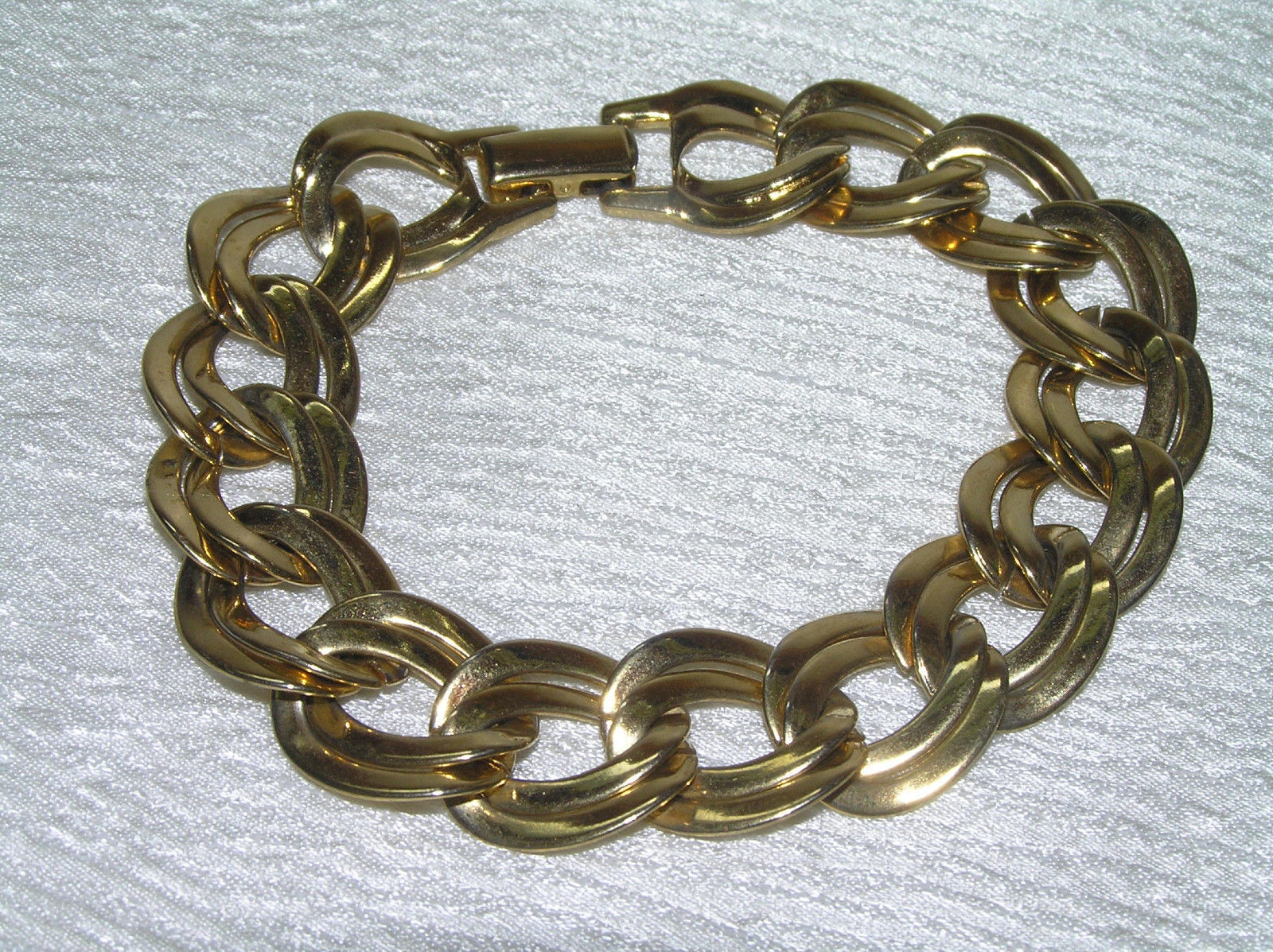 Vintage Flattened Double Open Oval Goldtone Link Bracelet – 7.5 x 5/8th's inches