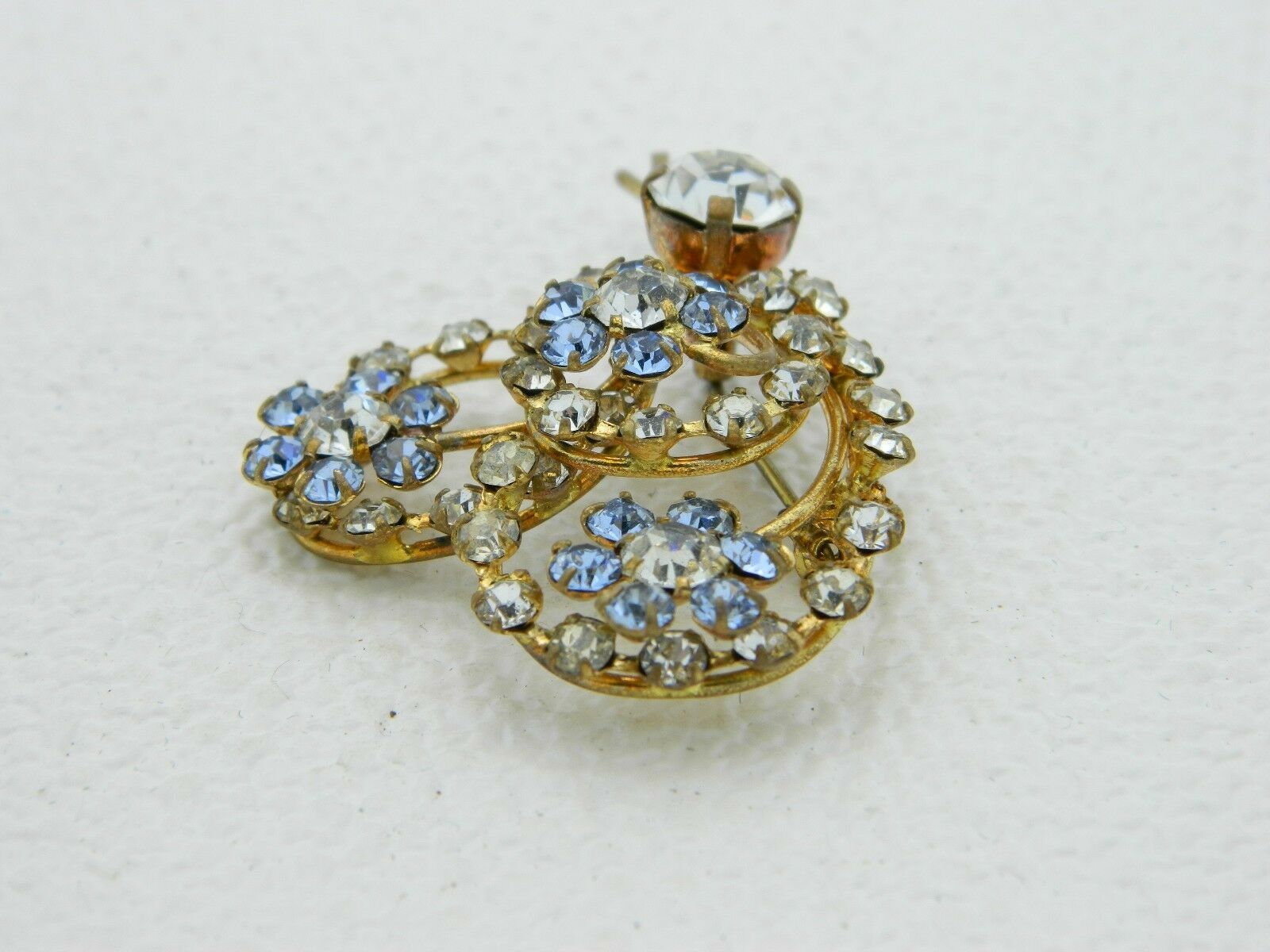 Vintage Gold Tone Blue Clear Rhinestone Heart Flower Pin Brooch image 2