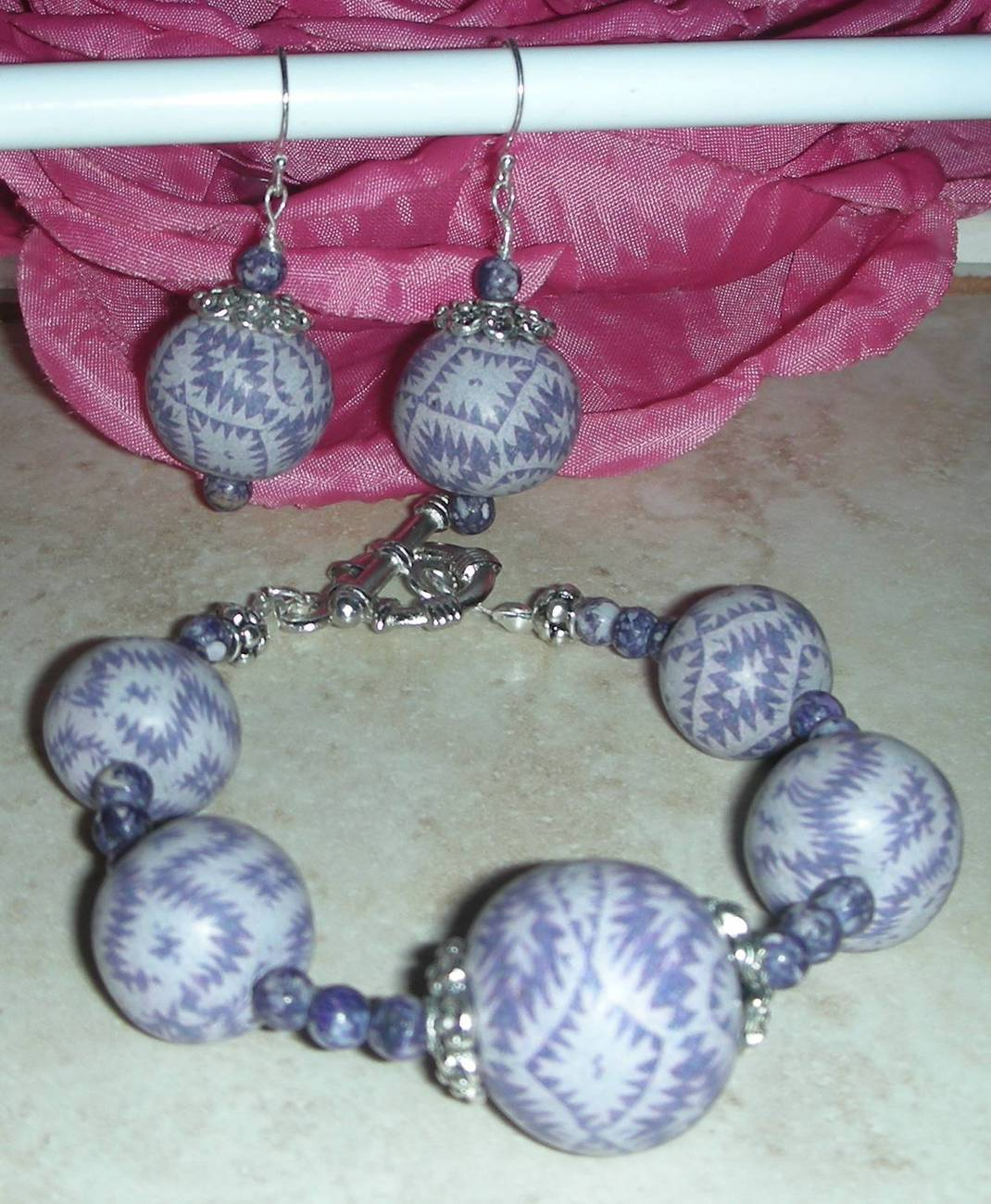 PERFECTLY PRETTY PURPLE RAIN BRACELET MATCHING  EARRINGS