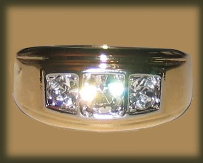Ring gold trio front