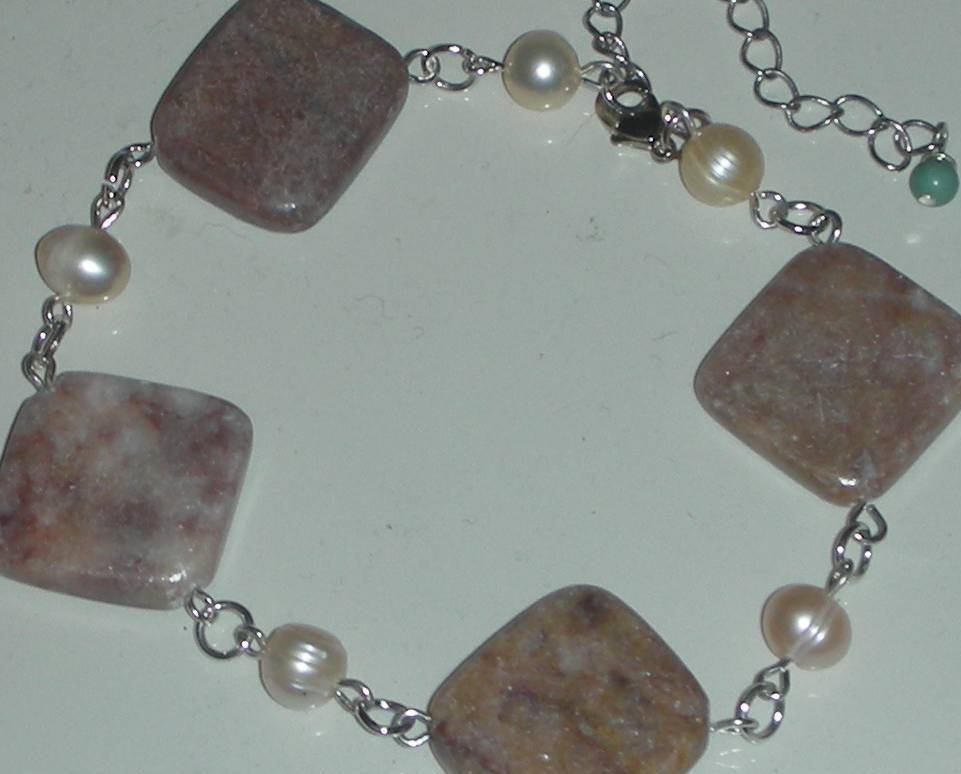 EXQUISITE  JASPER AND FRESH WATER PEARLS BEADS BRACELET