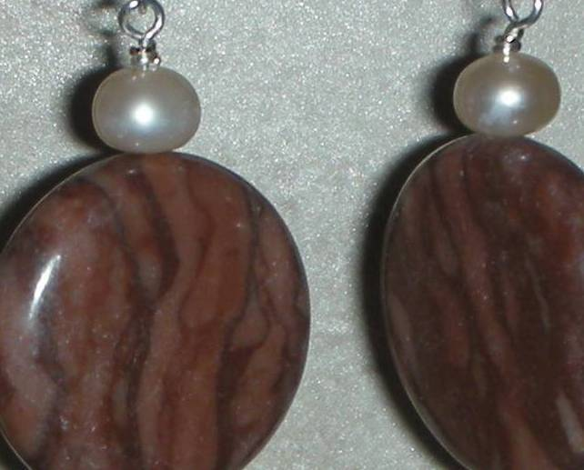 EXQUISITE EARTHY RED COCO JASPER AND PEARLS EARRINGS