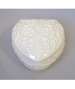 Heart Scroll Trinket Jewelry Treasure Box Candy Jar Gold Trim White Porc... - $20.00