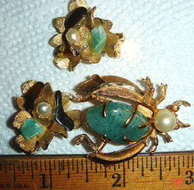 VTG MOD BSK REAL CULTURED PEARL JADE BUG BROOCH PIN TIGERS EYE CLIP EARR... - $267.99