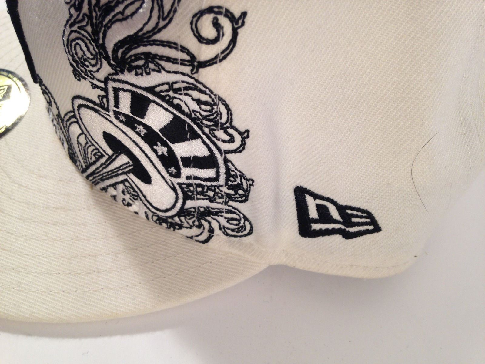 """NEW YORK YANKEES New Era 59Fifty Fitted WHITE Hat 7 3/4"""" *EUC* *FREE SHIP*"""