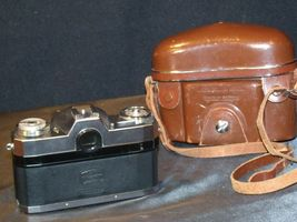 Zeiss Ikon Contaflex Super Camera with hard leather Case AA-192012 Vintage image 9
