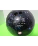 Columbia 15 Lb Bowling Ball 300 White Dot Purple Green Silver W/Rolling Bag - $30.00