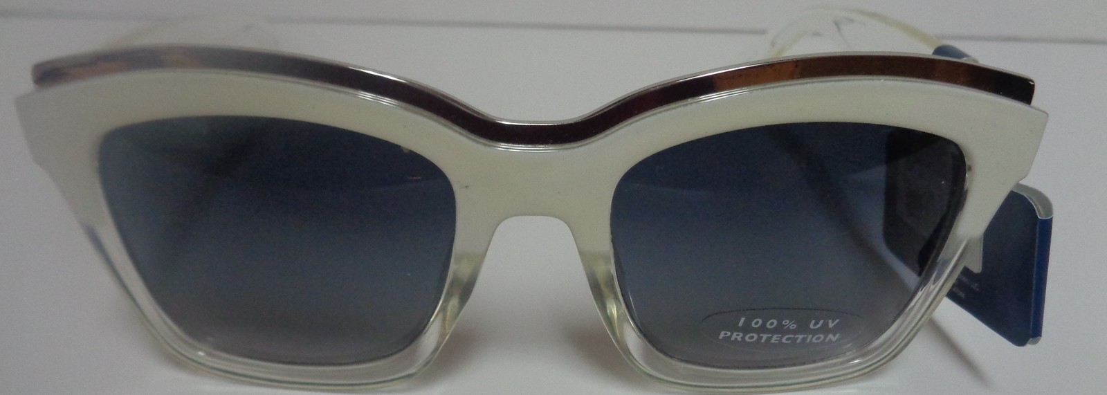 Falls Creek White Clear Sunglasses NWT 100% UV Protection image 4