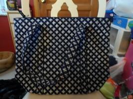 Vera Bradley Villager large zipper tote in mini concerto Navy & white - $54.00