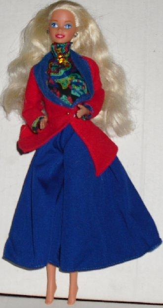 BARBIE DOTW Doll of World ENGLISH dressed blonde
