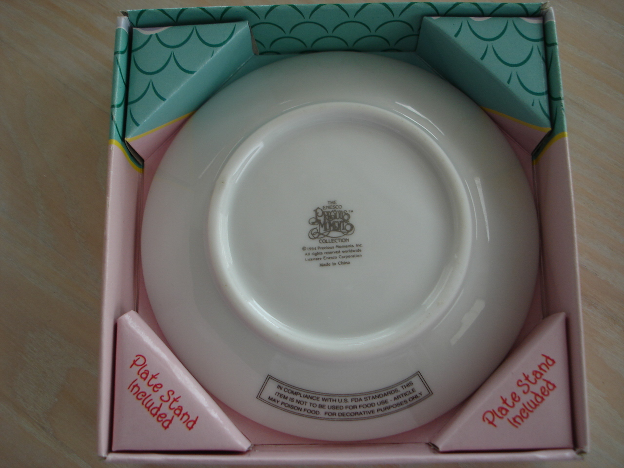 Precious Moments Porcelain Holiday Collectors Plate, 1996, 4
