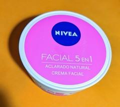 Nivea FACIAL Aclarado Natural 5 en 1 † Ayuda a prevenir manchas SPF15 20... - $14.94
