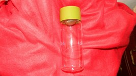 PYREX OLIVE GREEN STORAGE BOTTLE 1 PINT GLASS WITH LID FREE USA SHIPPING - $14.95