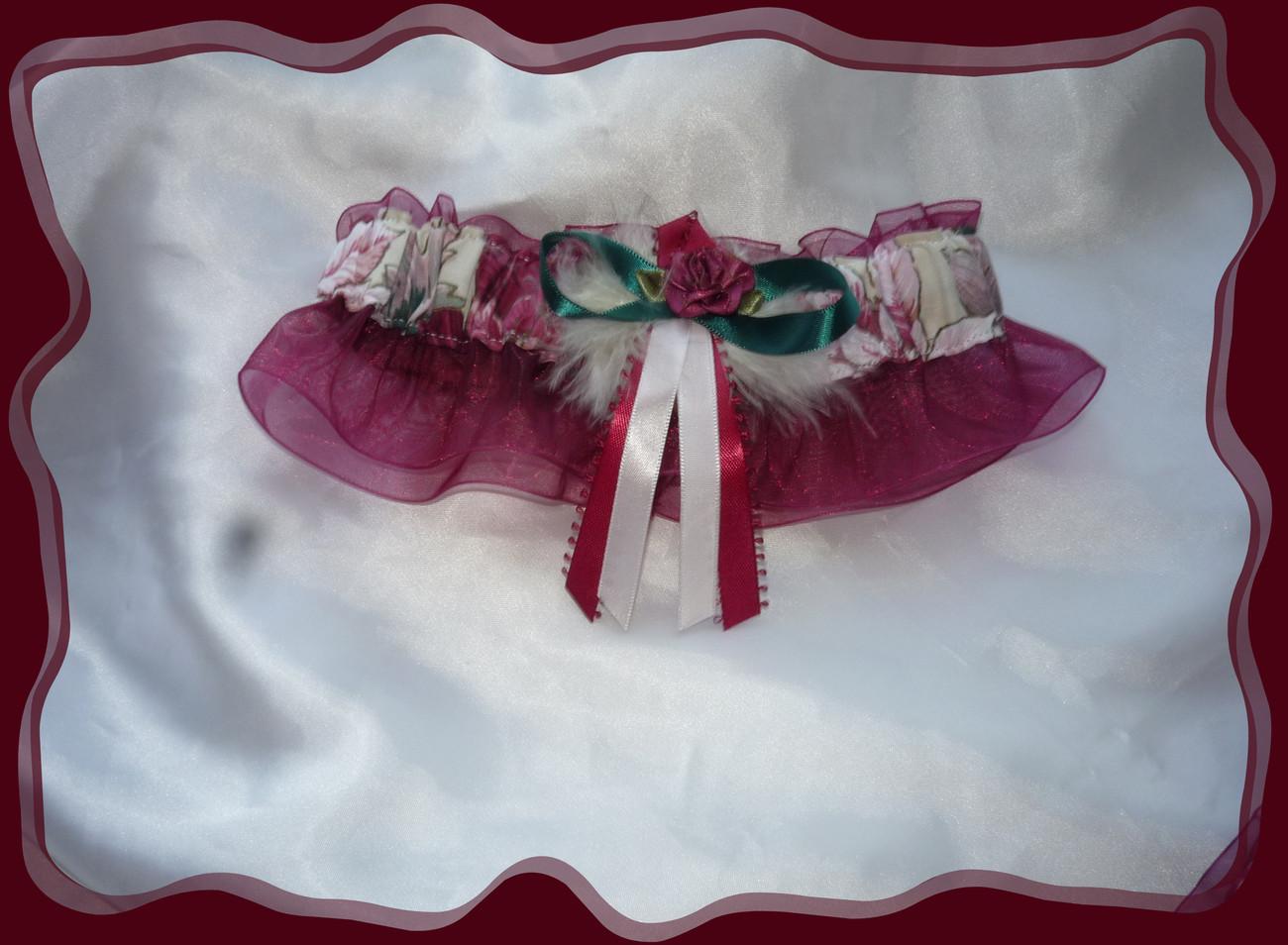 Christmas Pointsetta Wedding Garter Set CB