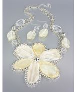 CHUNKY Clear Creme Silver Metallic Lucite Flower Bib Drape Chains Necklace Set - $19.99