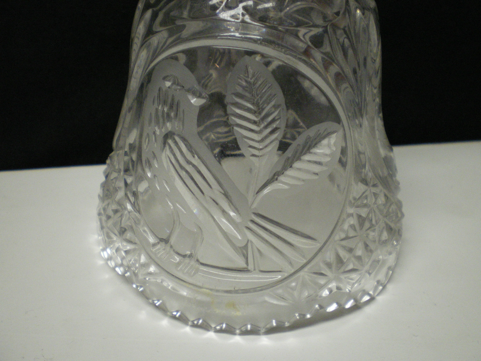 "Hofbauer Byrds Collection Lead Crystal 8"" Bell"