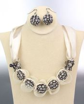 SPARKLE Creme Satin Antique Rhinestone Balls Crystals Tulle Necklace Set - €16,17 EUR